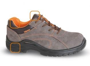 scarpe in morbida pelle scamosciata traforata